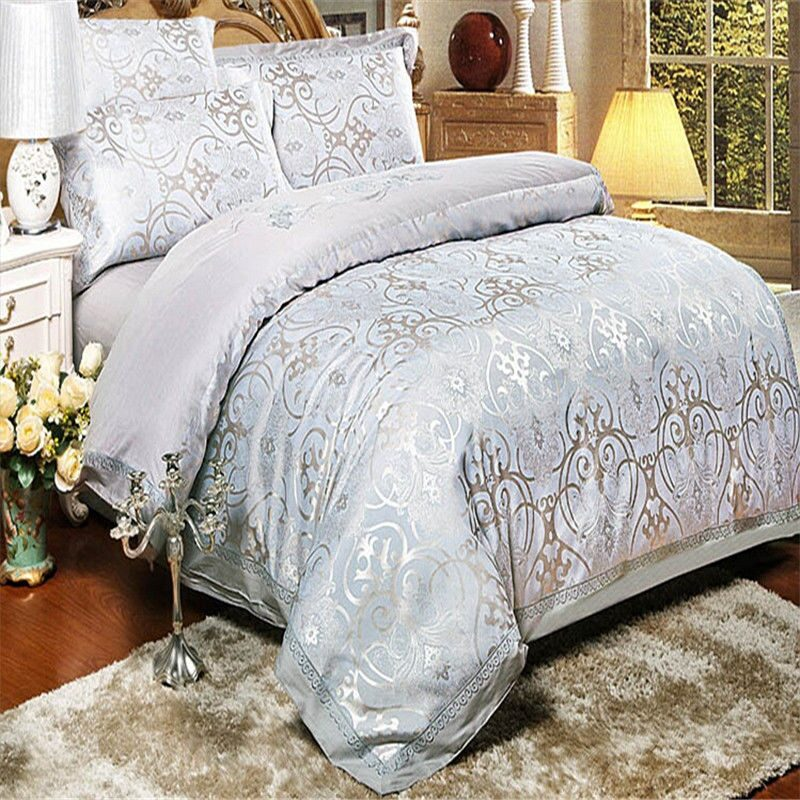 Недорогое постельное белье с вышивкой